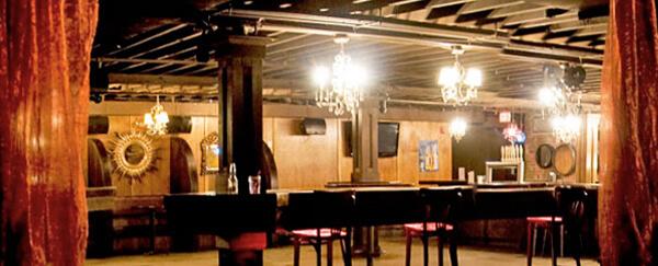 Commune lounge royal oak for Motor city carpet royal oak